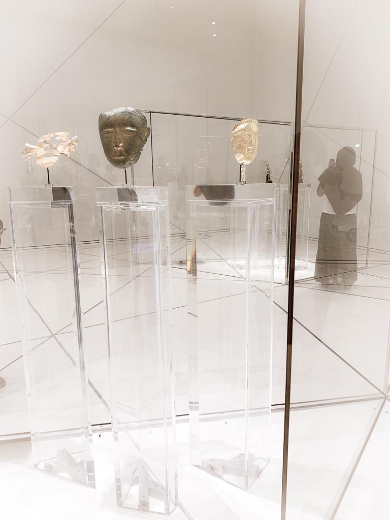 Funerary mask Northern China 907-1125 H.20.3㎝; bronze gilt Louvre Abu Dhabi