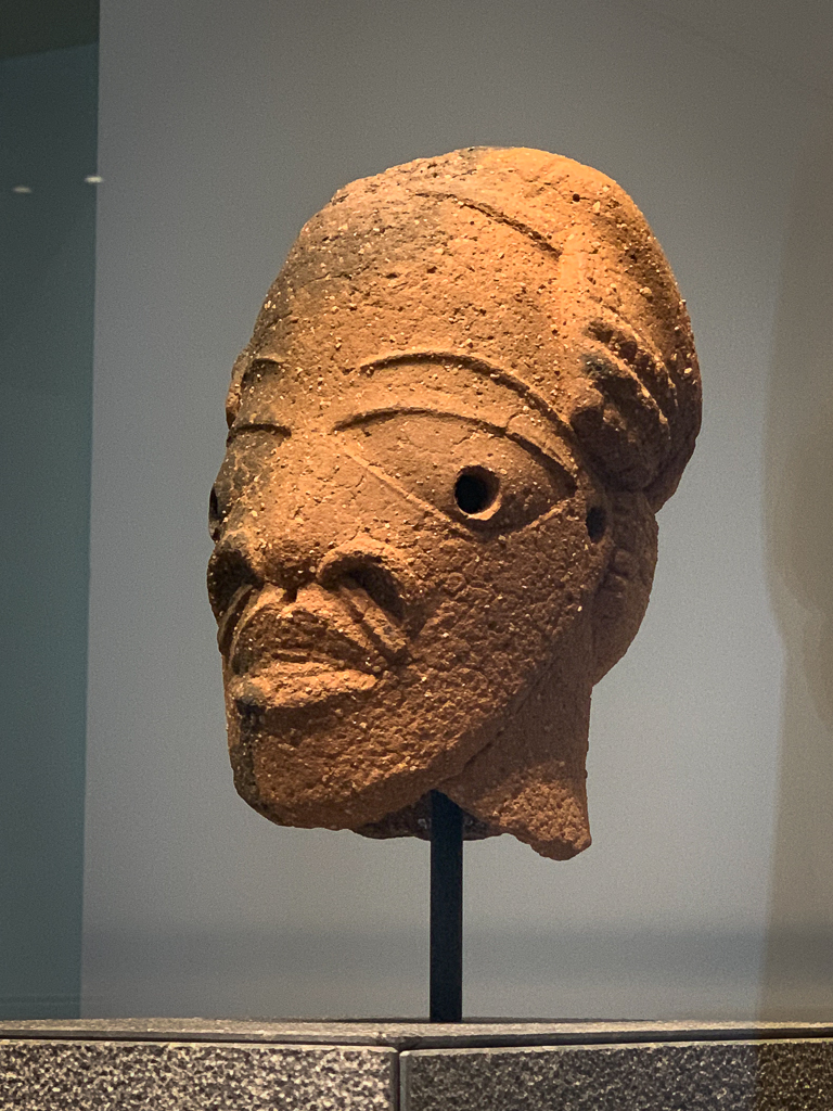 Head of a man Nigeria 500-100 BCE, H. 22.5cm; terracotta, MUSÉE DU QUAI BRANLY-JACQUES CHIRAC