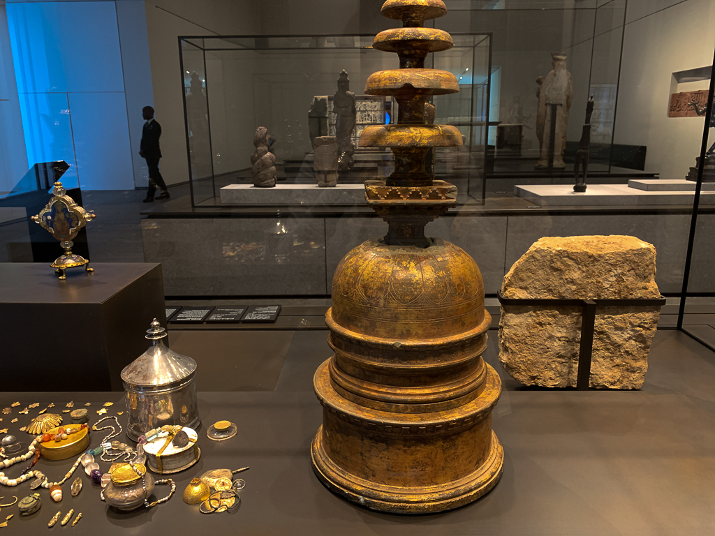 Reliquary in the form of a stupa, and its contents Pakistan, Gandhara, Swat Valley(?) 20-30 CE, H. 78cm; gilded schist, gold, crystal, coral, glass, LOUVRE ABU DHABI