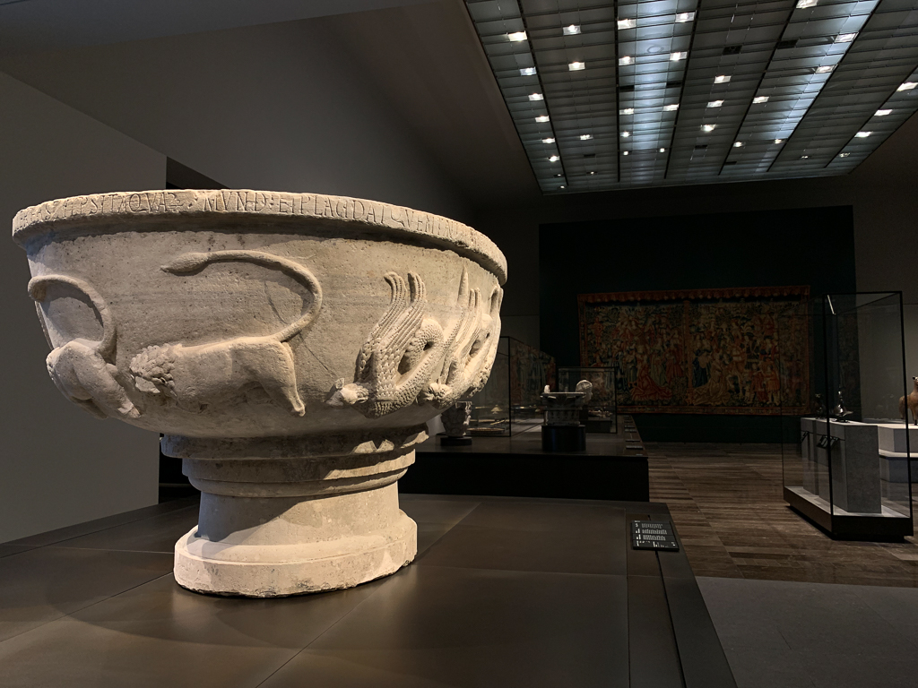 Basin inscribed with the name of Bonifilius, Northern Italy, c.1300 Diam. 137 cm; marble, Louvre Abu Dhabi, LAD 2011.030