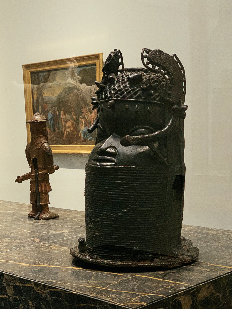 Commemorative head of an Oba, Nigeria, ancient kingdom of Benin, 1800–50, H. 51 cm; bronze, Louvre Abu Dhabi, LAD 2015.036